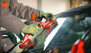 glass repair and replacement services